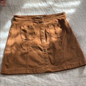 Brown suede skirt with buttons